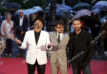 Spanish Actors Jose Corbacho (l) and Dani Rovira (r) Pose with Film Director Pedro Barbero (c) During a Photocall at the Premiere of His Film 'El Futuro Ya No Es Lo Que Era' (the Future is No Longer what It Was) at the Campoamor Theatre in Oviedo Spain Late 14 September 2016 Spain Oviedo