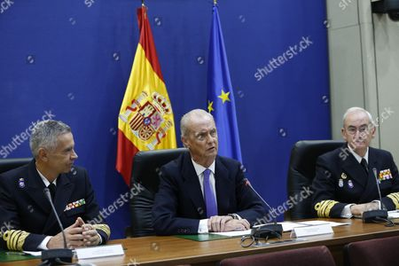 Spanish Acting Defence Minister Pedro Morenes (c) Speaks Via Videoconference with Spanish Troops Deployed Abroad on the Occassion of the National Day in Madrid Spain 12 October 2016 Spain Madrid