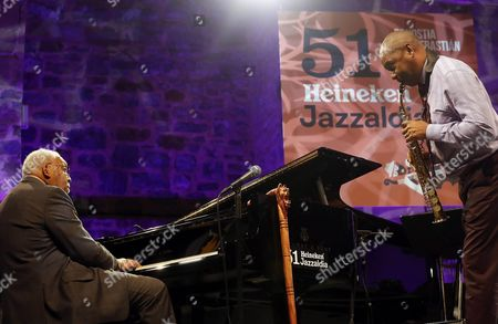 Us Pianist Ellis Marsalis (l) Performs with His Son Saxophonist Branford Marsalis (r) After Receiving the Donostiako Jazzaldia Award at the Trinidad Square As Part of the 51st Jazzaldia San Sebastian Jazz Festival in San Sebastian Spain 22 July 2016 He Received the Award For His Contribution to Jazz the Festival Runs From 20 to 25 July Spain San Sebastian