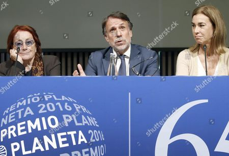 President of Planeta Group Josep Creuhera (c) and Jury Members and Writers Carmen Posadas (r) and Rosa Regas Attend a Press Conference to Present the 65th Edition of the Planeta Award in Barcelona Northeastern Spain 14 October 2016 Spain Barcelona