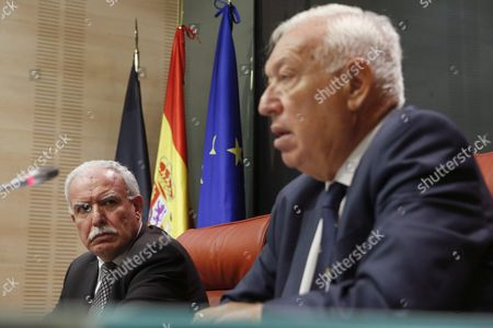 Spanish Acting Foreign Minister Jose Manuel Garcia-margallo (r) is Watched by His Palestinian Counterpart Riad Malki (l) As They Speak at a Joint News Conference Following Their Meeting at the Palace of Viana in Madrid Spain 14 September 2016 Spain Madrid