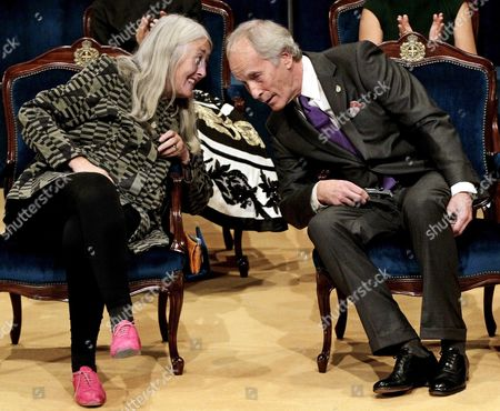 British Historian Mary Beard (l) Winner of the 2016 Princess of Asturias Award of Social Sciences Talks with Us Writer Richard Ford Laureate of the 2016 Princess of Asturias Award of Literature During the 36th Edition of the Princess of Asturias Awards Handover Ceremony at the Campoamor Theatre in Oviedo Province of Asturias Spain 21 October 2016 Spain Oviedo