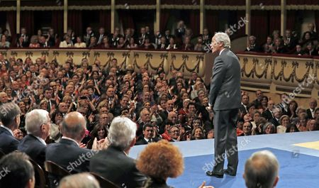 Us Writer Richard Ford Receives Applause of the Audience After Receiving the 2016 Princess of Asturias Award of Literature During the 36th Edition of the Princess of Asturias Awards Handover Ceremony at the Campoamor Theatre in Oviedo Province of Asturias Spain 21 October 2016 Spain Oviedo
