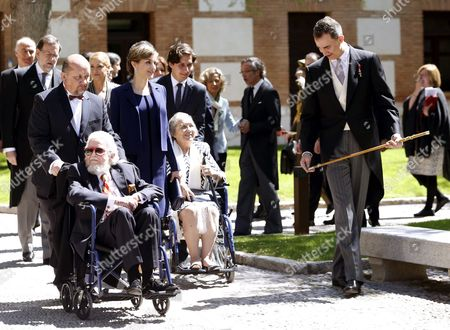 Spain's King Felipe Vi (r) and Queen Letizia (3-l) with Mexican Writer Fernando Del Paso (l) and His Wife Maria Del Socorro Gordillo (c) After Del Paso Received the Miguel De Cervantes 2015 Award During a Ceremony at the Alcala De Henares University on the Outskirts of Madrid Spain 23 April 2016 the Literary Award is Presented Annually to Honor the Work of an Author in the Spanish Language Since 1975 Spain Alcala De Henares