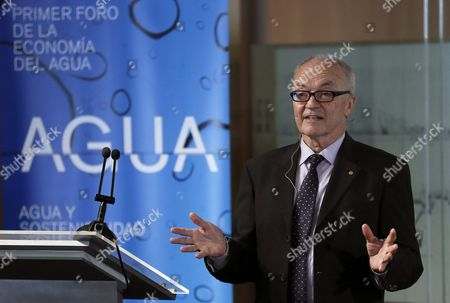 Stock Picture of Nobel Laureate in Economy Finn Kydland Speaks During a Master Conference on the Causes and Consecuences of the Economic Crisis in Europe and Spain Held As Part of the International Forum on Water Economy Taking Place at the University of Alcala (uah) in Madrid Spain 08 April 2016 the Forum Intends to Promote a Independent Space of Reflection and Dialogue About the Urban Cycle of Water From the Point of View of Its Management with the Aim of Facing Challenges of the Sector at a World Level Spain Madrid