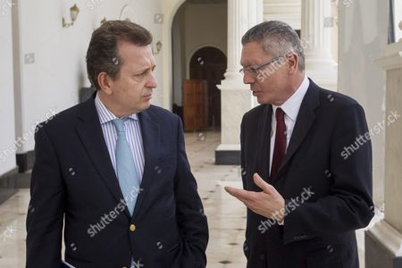 Spanish Former Minister of Justice Alberto Ruiz Gallardon (r) and Lawyer Javier Cremades (l) Talk in the Federal Palace of the National Assembly in the City of Caracas Venezuela 21 June 2016 Gallardon and Cremades who Are in Venezuela to Join the Defense Team of Leopoldo Lopez Ask Venezuelan Parliament to Guarantee Human Rights of Political Prisoners Venezuela Caracas