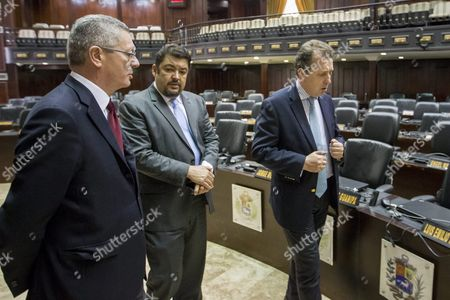 Spanish Former Minister of Justice Alberto Ruiz Gallardon (l) and Lawyer Javier Cremades (r) Talk in National Assembly Headquarters in the City of Caracas Venezuela 21 June 2016 Gallardon and Cremades who Are in Venezuela to Join the Defense Team of Leopoldo Lopez Ask Venezuelan Parliament to Guarantee Human Rights of Political Prisoners Venezuela Caracas
