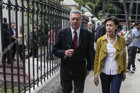 Spanish Justice Minister Alberto Ruiz Gallardon (l) and Mother of Venezuelan Leopoldo Lopez Antonieta Mendoza De Lopez (r) Leave a Press Conference in Caracas Venezuela 22 June 2016 Gallardon and Spanish Lawyer Javier Cremades Presented a Manifest Signed by More Than a Thousand International Jurists in Which They Demand the Freedom of the Venezuelan Opposition Leader Leopoldo Lopez in Prision Since 2014 Venezuela Caracas