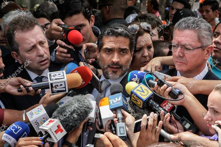 Juan Carlos Gutierrez (c) Leopoldo Lopez' Head Lawyer Flanked by Spanish Former Justice Minister Alberto Ruiz Gallardon (r) and Spanish Lawyer Javier Cremades (l) Speaks to Reporters After Suspension of Leopoldo Lopez Conviction Appeal Hearing Outside Justice Palace in Caracas Venezuela 07 July 2016 Leopoldo Lopez who was Sent to Prison For 13 Years and Nine Months For Inciting Violence During Mass Protests in 2014 Has Had His Appeal Hearing Suspended Due to One of the Defendants Could not Attend the Hearing Venezuela Caracas