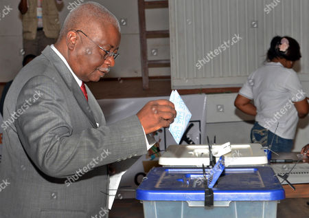 Mozambique President Armando Guebuza Casts His Vote at a Polling Station in Maputo Mozambique 15 October 2014 Mozambicans Started Voting on 15 October in Elections Seen As a Test For Peace Following a Deal Between the Government and the Armed Opposition Party Renamo to End a Two-year Insurgency More Than 10 Million People Are Eligible to Vote For the President Parliament and Provincial Assemblies at About 17 000 Polling Stations Mozambique Maputo