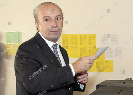 Pedro Santana Lopes the Social Democratic Party Candidate For the Position of Mayor of Lisbon About to Cast His Vote in the Capital 11 October 20209 As Portuguese Voters Went to the Polls in Local Elections Expected to Produce Few Changes in the Country's Political Landscape Portugal Lisbon