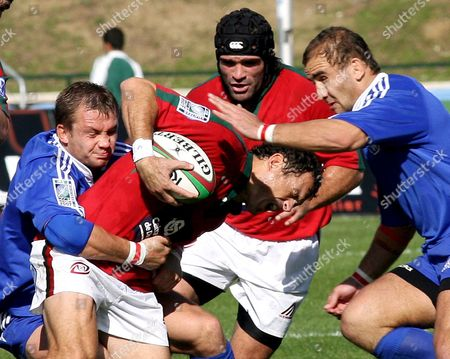 Portugal's Pedro Carvalho and Diogo Mateus Fight For the Ball with Korobeynikov (l) and Sarychev Alexey (r) From Russia During This Afternoon Rugby World Cup 2007 Qualifying Match Held 28 October 2006 in Lisbon Portugal Lisbon