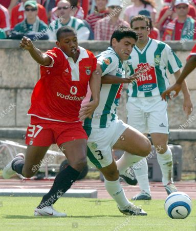 Benfica Soccer Player Manuel Fernandes (l) Fights For the Ball with V Setubal Player Ricardo Chaves (2ndl) During Their Portugal Cup Final Match Sunday 29 May 2005 at Nacional Stadiun Near Lisbon Portugal Lisbon