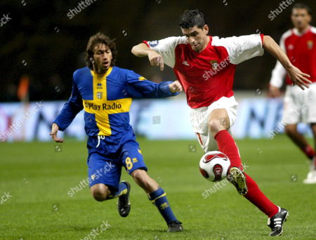 Braga?s Ricardo Chaves (r) Fights For the Ball with Parma?s Gasbarroni During Their Uefa Cup Soccer Match on Thursday 15 February 2007 at the Braga Municipal Stadium Portugal Braga