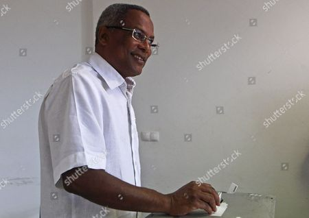 Cape Verde Prime Minister Jose Maria Neves Casts His Vote in the Cape Verde Presidential Elections at a Hotel in Cidade Da Praia Cape Verde 07 August 2011 Reports State That Some 305 000 People Have Registered to Vote in the Election Which is Being Contested by Four Candidates Cape Verde Cidade Da Praia