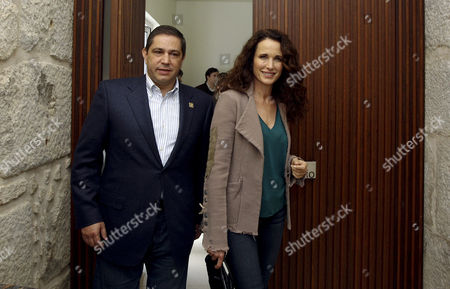 Us Actress and Model Andie Macdowell (r) Accompanied by Douroazul Owner Mario Ferreira (l) Are Seen Upon Their Arrival For a Press Conference in Porto Portugal 22 March 2013 Macdowell is in Portugal to Christen Two New Ships For Portuguese River Cruise Company Douroazul Portugal Porto