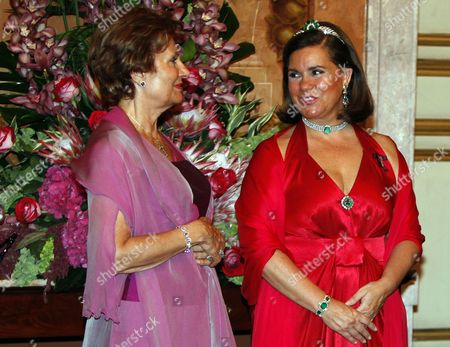 A Picture Dated 07 September 2010 Shows Grand Duchesse Maria Teresa of Luxembourg (r) and Portuguese First Lady Maria Cavaco Silva (l) During the Official Welcoming Dinner at the Ajuda Palace in Portual Lisbon During This Official Dinner Grand Duchesse Maria Teresa of Luxembourg Wore a Tiara (that Used to Be a Neckless) Made of Emeralds and Diamonds That Used to Belong to the Late Grand Duchess Josephine-charlotte of Luxembourg Portugal Lisbon