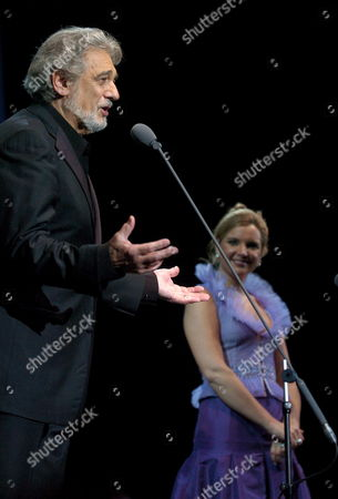 Spanish Tenor Star Placido Domingo (l) Flanked by Virginia Tola Performs 02 May 2007 at the Atlantico Pavillion in Lisbon Portugal Lisbon