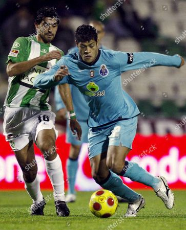 Stock Image of Fc Porto Player Hulk (r) Fights For the Ball with Vitoria De Setubal Opponent Ricardo Chaves During Their First League Soccer Match 06 December 2008 at the Bonfim Stadium Portugal Setubal
