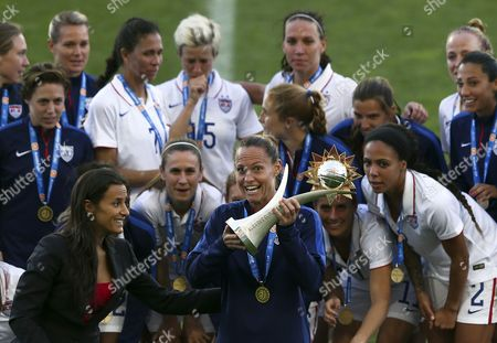 Us Player Christie Rampone Holds the Algarve Cup Trophy After the Us Won the Final Match Against France 2-0 Held at Algarve Stadium in Faro Southern Portugal 11 March 2015 Portugal Faro