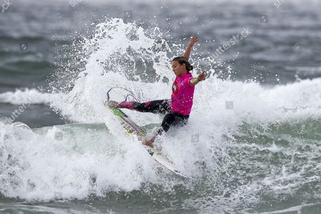 Australian Surfer Sally Fitzgibbons in Action During Her Round One Heat at the Edp Cascais Girls Pro Surfing Competition at Carcavelos Beach Cascais Portugal 03 October 2013 Portugal Cascais