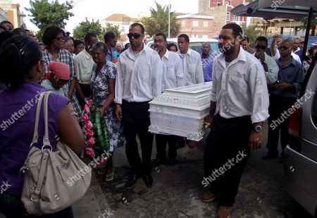 Cape Verde Citizens Carry the Coffin Containg the Remains of Cape Verdean Singer Cesaria Evora During the Funeral Ceremonies in Mindelo Sao Vicente Island Cape Verde 20 December 2011 Evora Died at the Age of 70 in a Hospital in Her Native Country on 17 December 2011 Cape Verde Mindelo