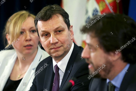 Polish Minister of Administration and Digitalization Andrzej Halicki (c) During the Presentation Ceremony of the Citizen Portal Leaded by His Portuguese Counterpart Poiares Maduro (r) in Lisbon Portugal 12 March 2015 Portugal Lisbon