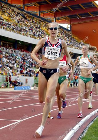 Stock Image of Great Britain's Paula Radcliffe Leads the Pack During Womens 5 000m Race at the Athletics European Cup 1st League 19 June 2005 at Leira Stadium Portugal at Left if Irish Derval O?rourke Portugal Leiria