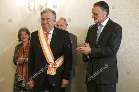 Portugals President Anibal Cavaco Silva (r) Decorates the Former Prime Minister and Former Senior United Nations High Commissioner For Refugees Antonio Guterres (l) with the Grand Cross of the Order of Freedom in Belem Palace in Lisbon Portugal 02 February 2016 Portugal Lisbon