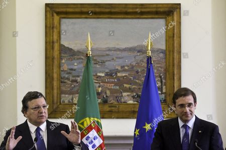 Portugal's Prime Minister Pedro Passos Coelho (r) Accompanied by European Commission President Jose Manuel Barroso (l) During the Presentation of the Partnership Agreement with the European Commission at Sao Bento Palace in Lisbon Portugal 30 July 2014 Portugal Lisbon
