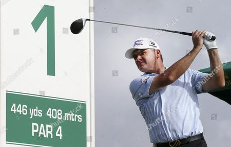 Scottish Golf Player Paul Lawrie in Action During the Last Day of Portugal Masters Golf Tournament in Vilamoura Southern Portugal 23 October 2016 Portugal Vilamoura