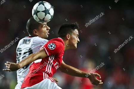Benfica's Franco Cervi (r) in Action Against Besiktas' Gokhan Inler (l) During the Uefa Champions League Group B Soccer Match Between Benfica Lisbon and Besiktas Istanbul at Luz Stadium in Lisbon Portugal 13 September 2016 Portugal Lisbon