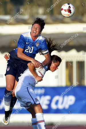 Us Player Abby Wambach (l) in Action Against Iceland's Sara Bjork Gunnarsdottir (r) During the Women's Algarve Cup Group C Soccer Match Between the Usa and Iceland in Lagos Southern Portugal 09 March 2015 Portugal Lagos