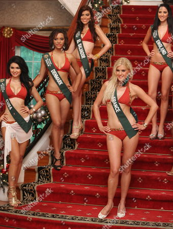 Candidates of the Miss Earth 2009 Pageant (clockwise From L) Jamillette Gaxiola (cuba) Patricia Tjornelund (denmark) Mayra Aldana (el Salvador) Kristy Nichol (england) and Magalie Thierry (france) Pose During a Photo Call in Pasig City East of Manila Philippines 04 November 2009 Candidates From Over 80 Countries Compete As 'Environment Diplomats' in the Miss Earth 2009 Pageant Which Pushes For Environment Awareness and an Eco-friendly Lifestyle
