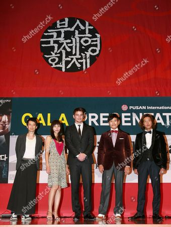 Stock Photo of Vietnamese Director Tran Anh Hung (l-r) Vietnamese Actress Tran Nu Yen Khe Us Actor Josh Hartnett South Korean Actor Lee Byung-hun and Japanese Actor Kimura Takuya Pose After the Gala Presentation of Their Film 'I Come with the Rain' at the 14th Pusan International Film Festival (piff) in Busan South Korea 09 October 2009 the Biggest Film Festival in Asia Showcases 355 Films From 70 Countries From 08 to 16 October in Busan