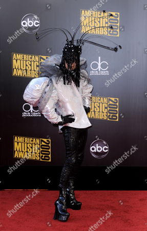 Us Television Personality Bobby Trendy Arrives For the American Music Awards in Los Angeles California Usa 22 November 2009 the American Music Awards Honour the Year's Top Selling Artists in the Categories of Pop/rock Country Rap/hip-hop Soul/r&b Alternative Adult Contemporary Latin and Adult Contemporary with Fans Voting Online to Determine the Winners