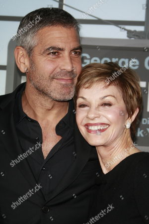 Us Actor George Clooney Arrives with His Mother Nina at the Usa/la Movie Premiere of 'Up in the Air' Held at the Mann's Village Theater in Los Angeles Usa 30 November 2009 the Film by Canadian Director Jason Reitman Tells the Story of a Corporate Downsizing Expert