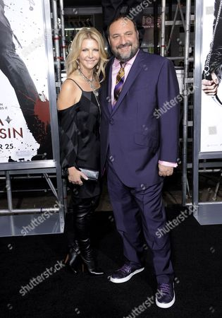 Us Producer Joel Silver (r) and Wife Karyn (l) Arrive For the Premiere of 'Ninja Assassin' in Los Angeles California Usa 19 November 2009 'Ninja Assassin' is the Story of an Assassin Trained by a Secret Society and the Revenge He Exacts After the Society Executes His Friend