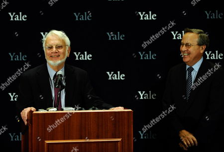 Sterling Professor of Molecular Biophysics and Biochemistry and Professor of Biology at Yale University Thomas Steitz Addresses the Media with Yale University President Richard C Levin (r) After Was Awarded the 2009 Nobel Prize in Chemistry at Yale Univeristy in New Haven Connecticut Usa 07 October 2009 Steitz Shares the Award with Fellow American Venkatraman Ramakrishnan and Israeli Ada Yonath