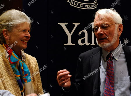 Sterling Professor of Molecular Biophysics and Biochemistry and Professor of Biology at Yale University Thomas Steitz (r) Breifly Explains How Ribosomes Function to the Media As His Wife Joan Steitz Also a Sterling Professor of Molecular Biophysics and Biochemistry at Yale Listens in After the Former Steitz Was Awarded the 2009 Nobel Prize in Chemistry at Yale Univeristy in New Haven Connecticut Usa 07 October 2009 Steitz Shares the Award with Fellow American Venkatraman Ramakrishnan and Israeli Ada Yonath