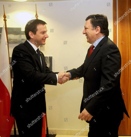 President of the European Commission Jose Manuel Barroso (r) is Greeted by Hungarian Prime Minister Gordon Bajnai As He Arrives to Attend a Meeting of the Premiers of the Visegrad Group Held at Hungary's Permanent Representation on the Sideline of the Eu Summit in Brussels 25 March 2010 Belgium Brussels