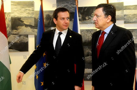 President of the European Commission Jose Manuel Barroso (r) is Welcomed by Hungarian Prime Minister Gordon Bajnai As He Arrives to Attend a Meeting of the Premiers of the Visegrad Group Held at Hungary's Permanent Representation on the Sideline of the Eu Summit in Brussels Belgium 25 March 2010 Belgium Brussels