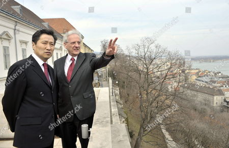 Hungarian President Laszlo Solyom (r) Shows the Panorama of the Hungarian Capital to Mongolian Prime Minister Sukhbaataryn Batbold on the Terrace of the Presidential Alexander Palace in Budapest Hungary 10 March 2010 Hungary Budapest
