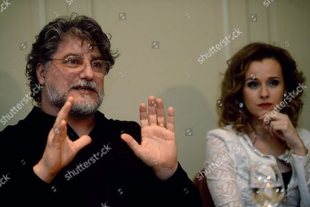 Argentinian Tenor Jose Cura (l) Gestures During a Press Conference in Budapest Hungary Monday 09 Febrary 2015 Jose Cura and Hungarian Opera Singer and Actress Andrea Maho (r) Will Perform a Concert at the Papp Laszlo Budapest Sports Arena in Budapest on 21 February 2015 Hungary Budapest