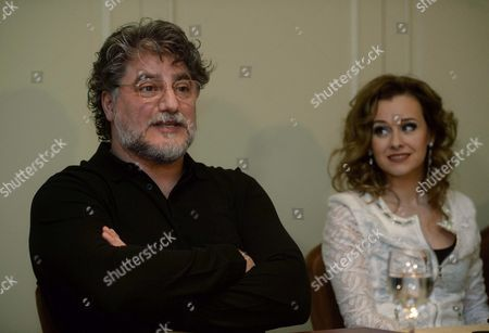 Argentinian Tenor Jose Cura (l) is Watched by Hungarian Opera Singer and Actress Andrea Maho (r) As They Attend a Press Conference in Budapest Hungary Monday 09 Febrary 2015 Jose Cura and Andrea Maho Will Perform in a Concert at the Papp Laszlo Budapest Sports Arena in Budapest on 21 February 2015 Hungary Budapest