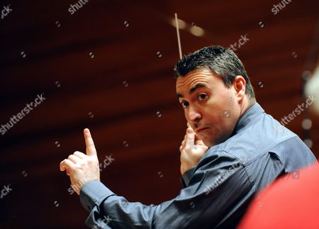 Russian-born Violin Master and Conductor Maxim Vengerov (c) Conducts Pannon Philharmonic Orchestra During a Rehearsal Play at Kodaly Centre Concert Hall in Pecs 196 Kms Southwest of Budapest Hungary 09 December 2010 Vengerov who Has Since 2005 Been Professor at the Royal Academy of Music in London Will Perform on 16 December During the Inauguration of the New Concert Hall of Pecs Which is One of the Three Cultural Capitals of Europe in 2010 Besides Essen and Istanbul Hungary Pecs