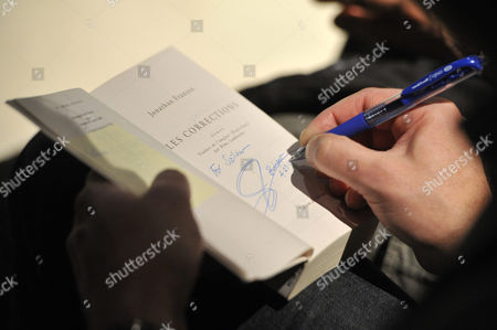 Us Writer Jonathan Franzen Signs an Autograph For a Fan During the Opening of the 22nd Budapest International Book Festival at the Millenaris Theatre in Budapest Hungary 23 April 2015 Franzen Received the Budapest Grand Prix From the President of the Hungarian Publishers' and Booksellers' Association (mkke) During the Ceremony Hungary Budapest