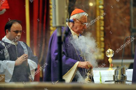 The Heart Urn of Otto Von Habsburg (r) is Seen As Retired Primate of the Hungarian Catholic Church and Archbishop of Esztergom-budapest Laszlo Paskai Celebrates the Funeral Mass at the Saint Stephen Basilica in Budapest Hungary 17 July 2011 Otto Von Habsburg was the Head of the Habsburg Dynasty Son of the Latest Hungarian King Charles Iv the Last Emperor of Austria who Died at the Age of 98 on 04 July 2011 in His Home in Poecking Germany Otto Von Habsburg's and His Wife Regina's Body Were Buried in the Imperial Crypt Below the Capuchin Church on 16 July 2011 in Accordance with a Habsburg Tradition Otto Von Habsburg's Heart Urn Will Be Laid to Rest in the Benedictine Abbey of Pannonhalma Some 50km West of Budapest Hungary Later in the Day Hungary Budapest