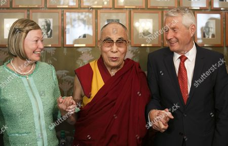 Tibetan Spiritual Leader the Dalai Lama (c) Together with Kaci Kullmann Five (l) and Thorbjorn Jagland (r) (leader) From the Nobel Peace Price Committee in Oslo Norway 07 May 2014 the Norwegian Tibet Committee Has Invited the Dalai Lama to Celebrate the 25th Anniversary of His Nobel Peace Prize Award Norway Oslo