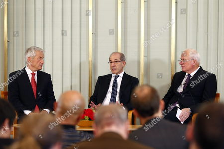 Stock Image of Ahmet Uzumcu (c) Secretary General of the Organization For the Prohibition of Chemical Weapons (opcw) Addresses a Press Conference Alongside the Chairman of the Norwegian Nobel Committee Thorbjorn Jagland (l) and Geir Lundestad Head of the Norwegian Nobel Institute (r) at the Nobel Institute in Oslo Norway 09 December 2013 the 2013 Nobel Peace Prize Will Be Awarded to the Opcw on 10 December 2013 For Its Extensive Efforts to Eliminate Chemical Weapons Norway Oslo